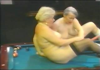 retro lesbian babes grannys r119