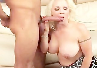 hawt cougar veronica vaughn